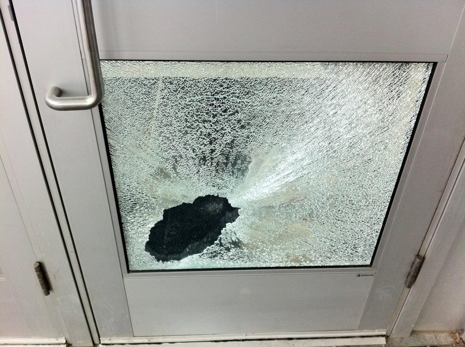 Как поменять стекло в межкомнатной двери 94
