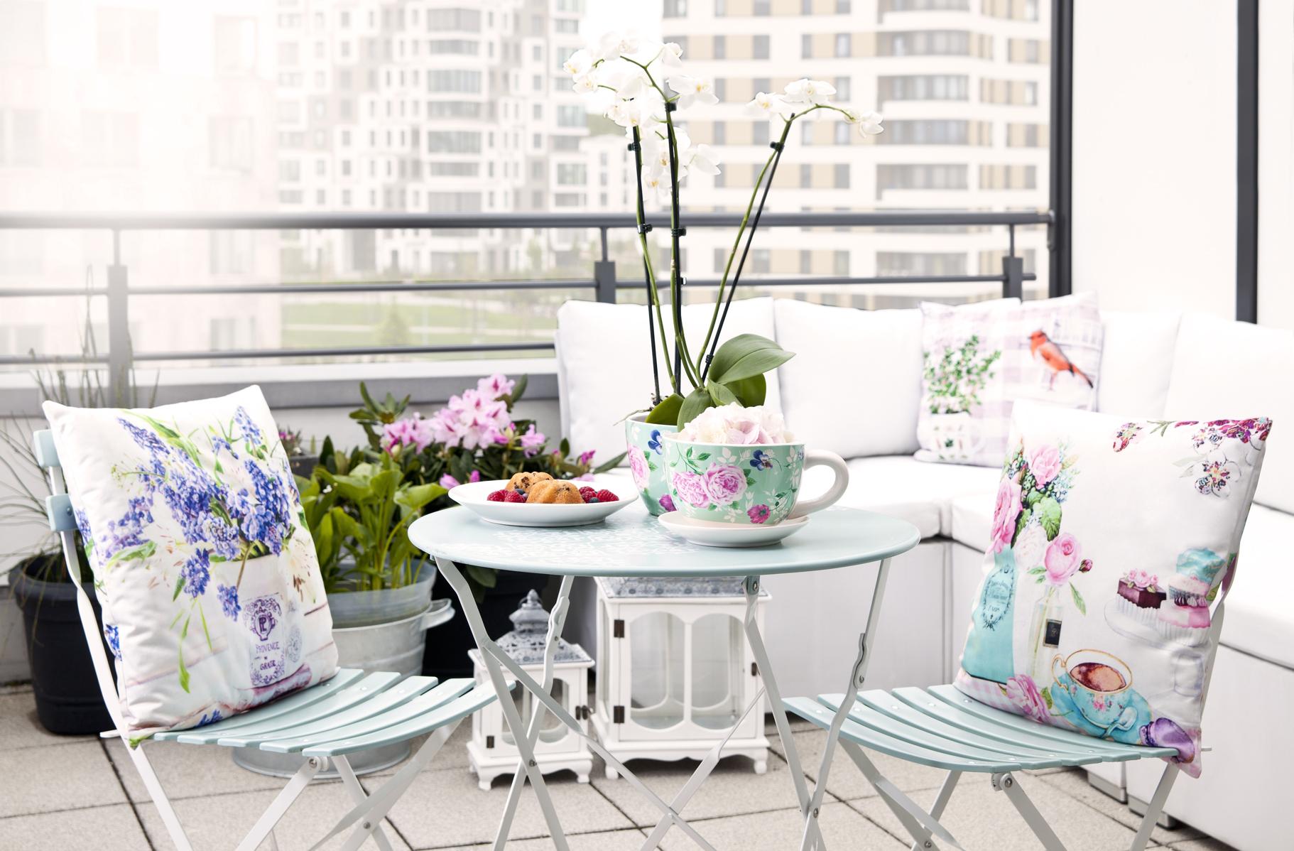 """Стулья и стол на балконе"""" - карточка пользователя nastena.gg."""