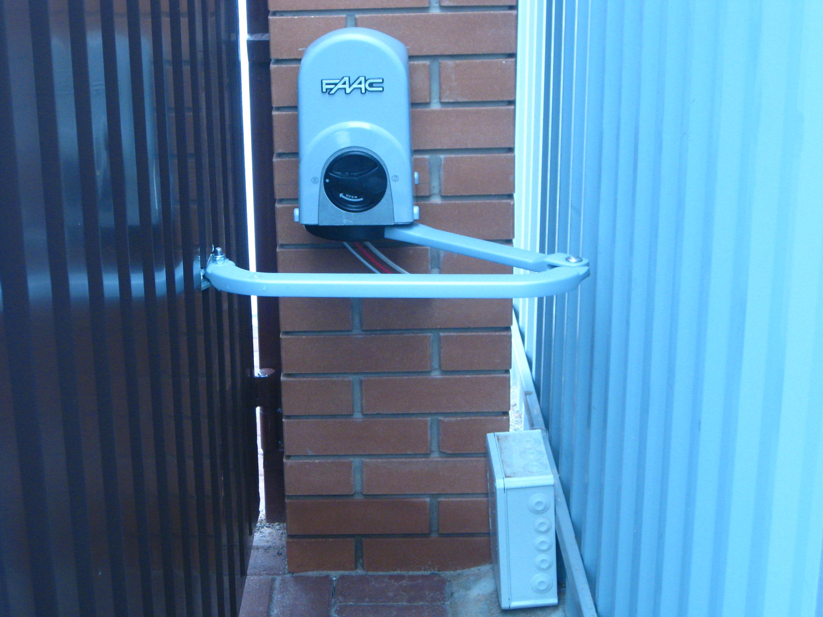 Самодельные привода для распашных ворот своими руками