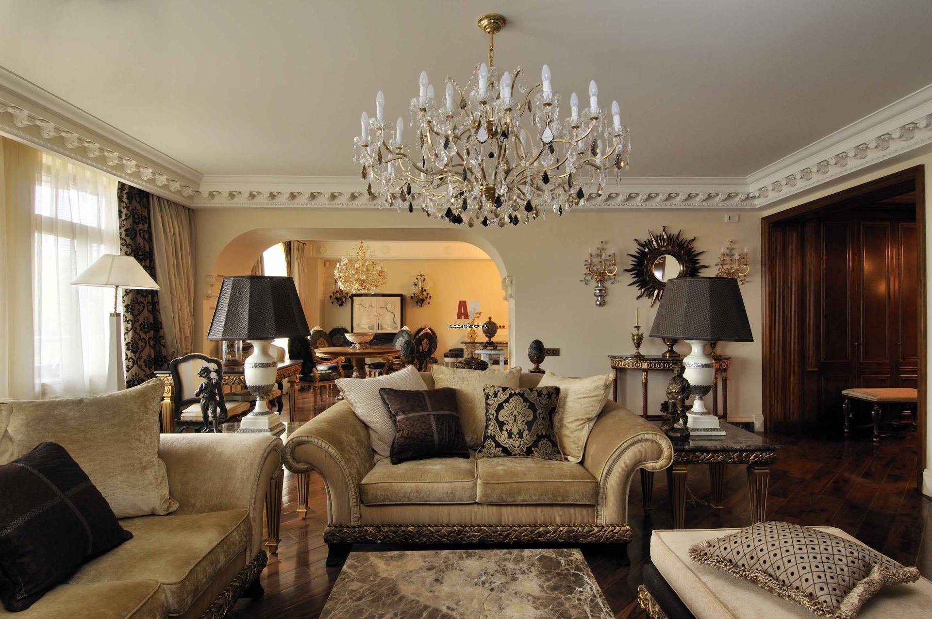 Потолочные люстры в классическом стиле для гостиной