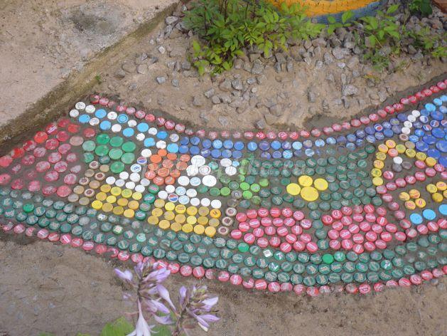 Садовая дорожка из пластиковых бутылок своими руками