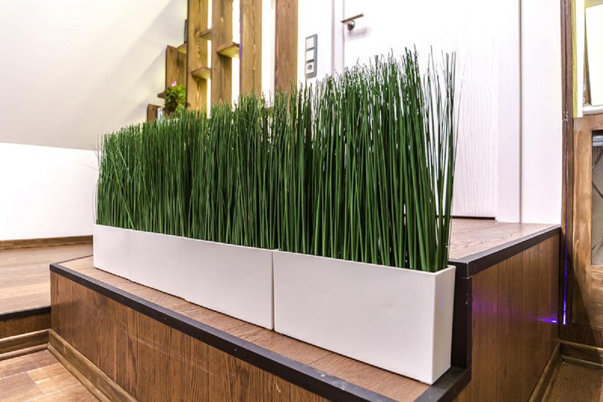 Искусственная трава в горшке: особенности выбора