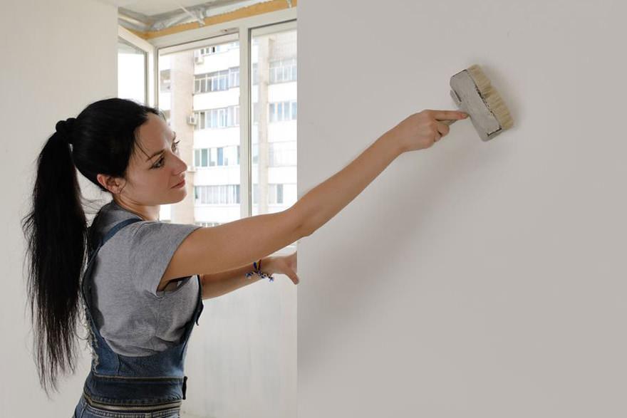 Как грунтовать стены перед поклейкой обоев? Как наносить грунтовку перед шпаклевкой, как правильно нанести на гипсокартон