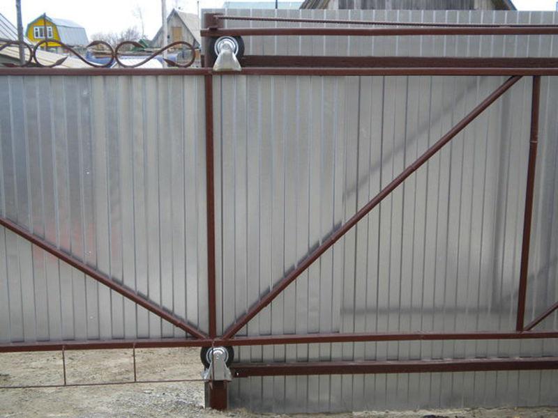 Роликовые откатные ворота своими руками 62