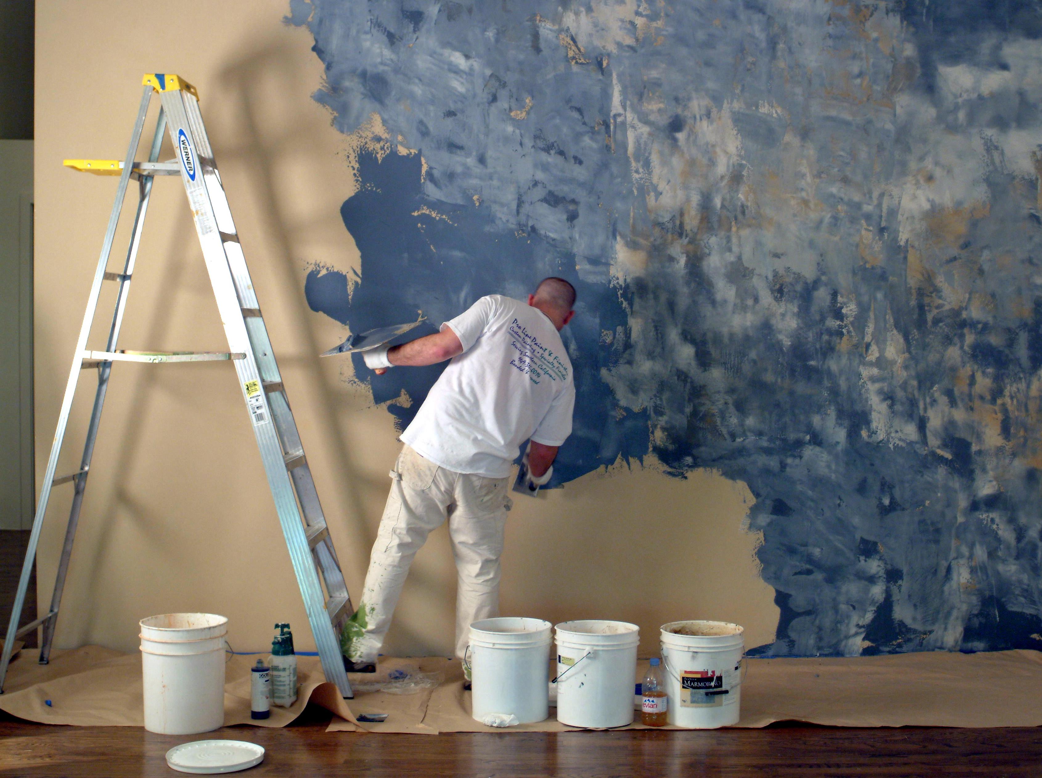 Фактурная краска для стен своими руками видео 321