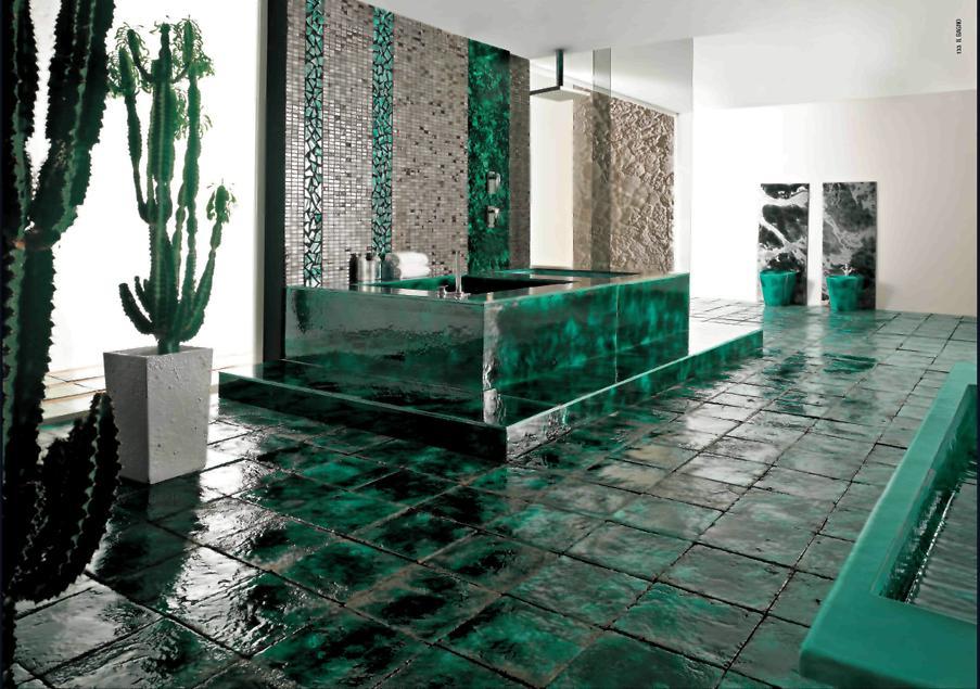 керамическая плитка зеленых оттенков под камень
