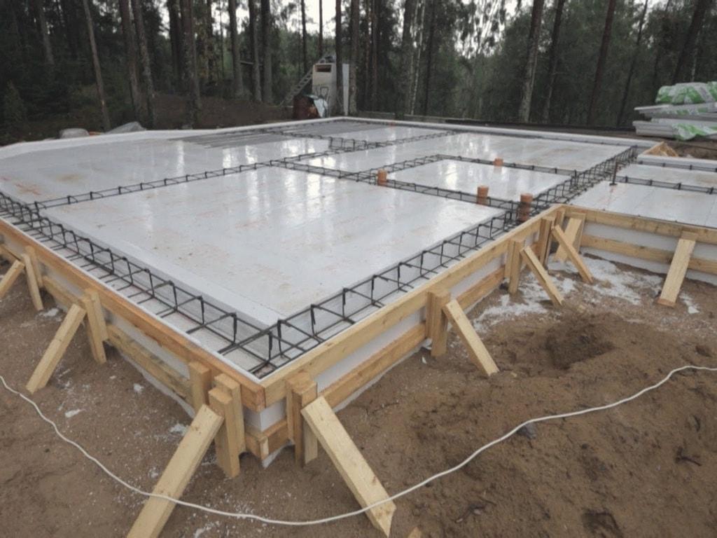 Из чего лучше и дешевле построить гараж