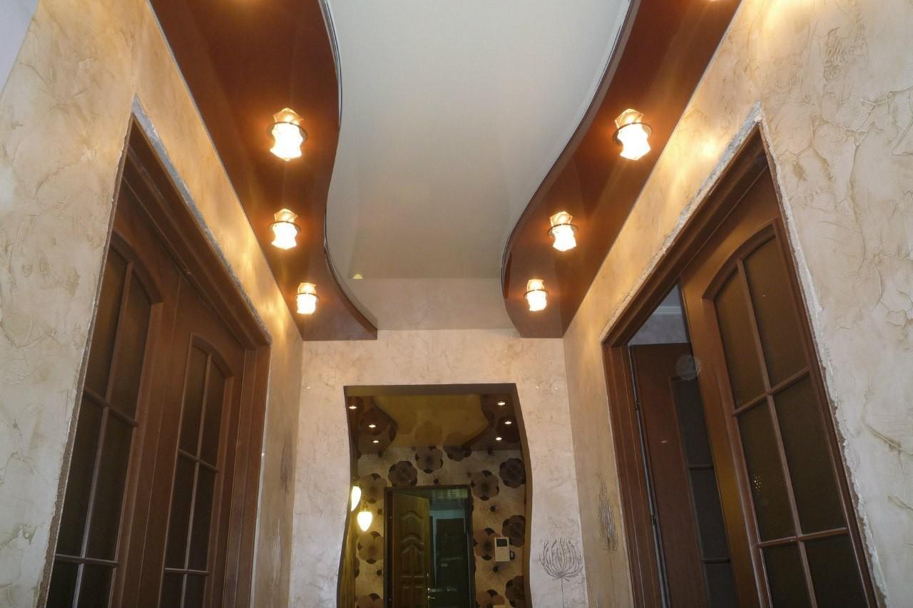 Натяжной потолок в коридор дизайн