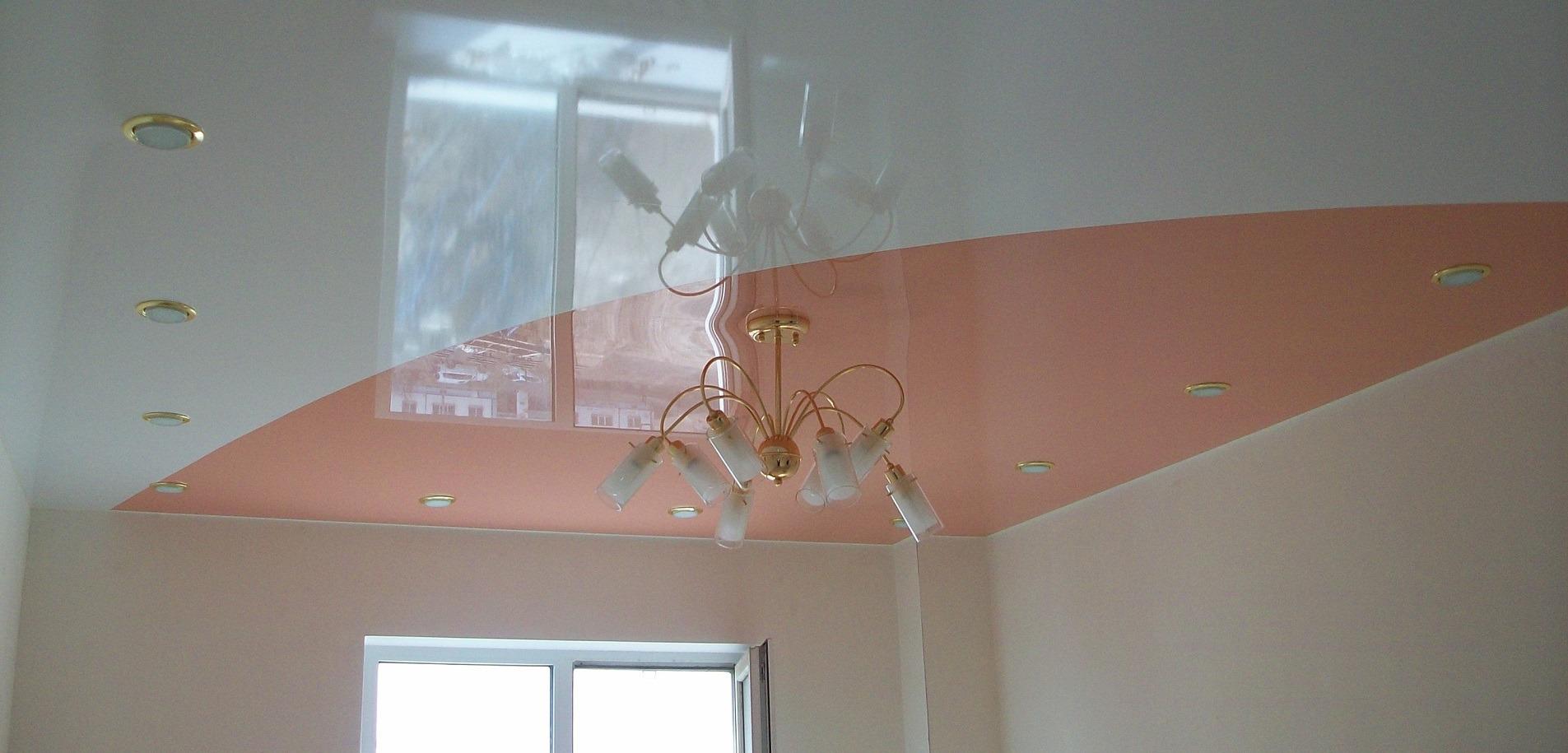 Сочетания цветов в натяжных потолках фото