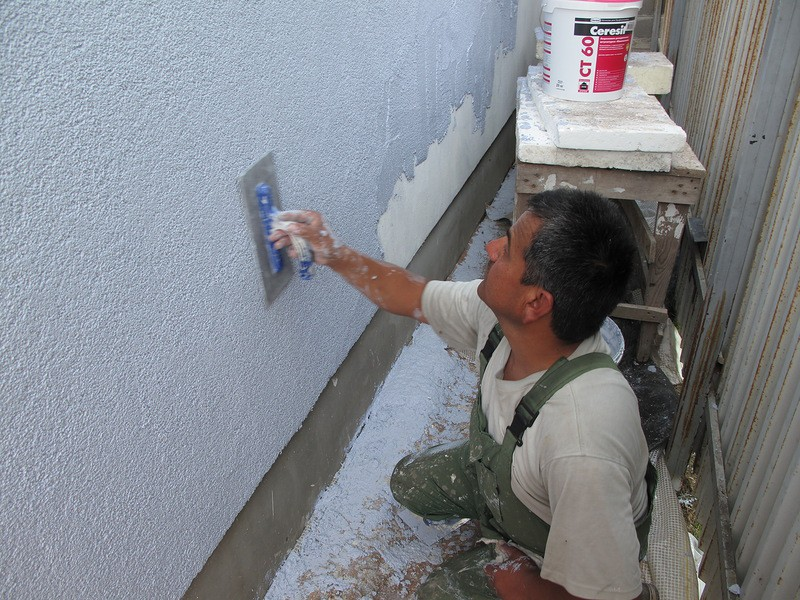 Шпаклевать фасад дома своими руками 53