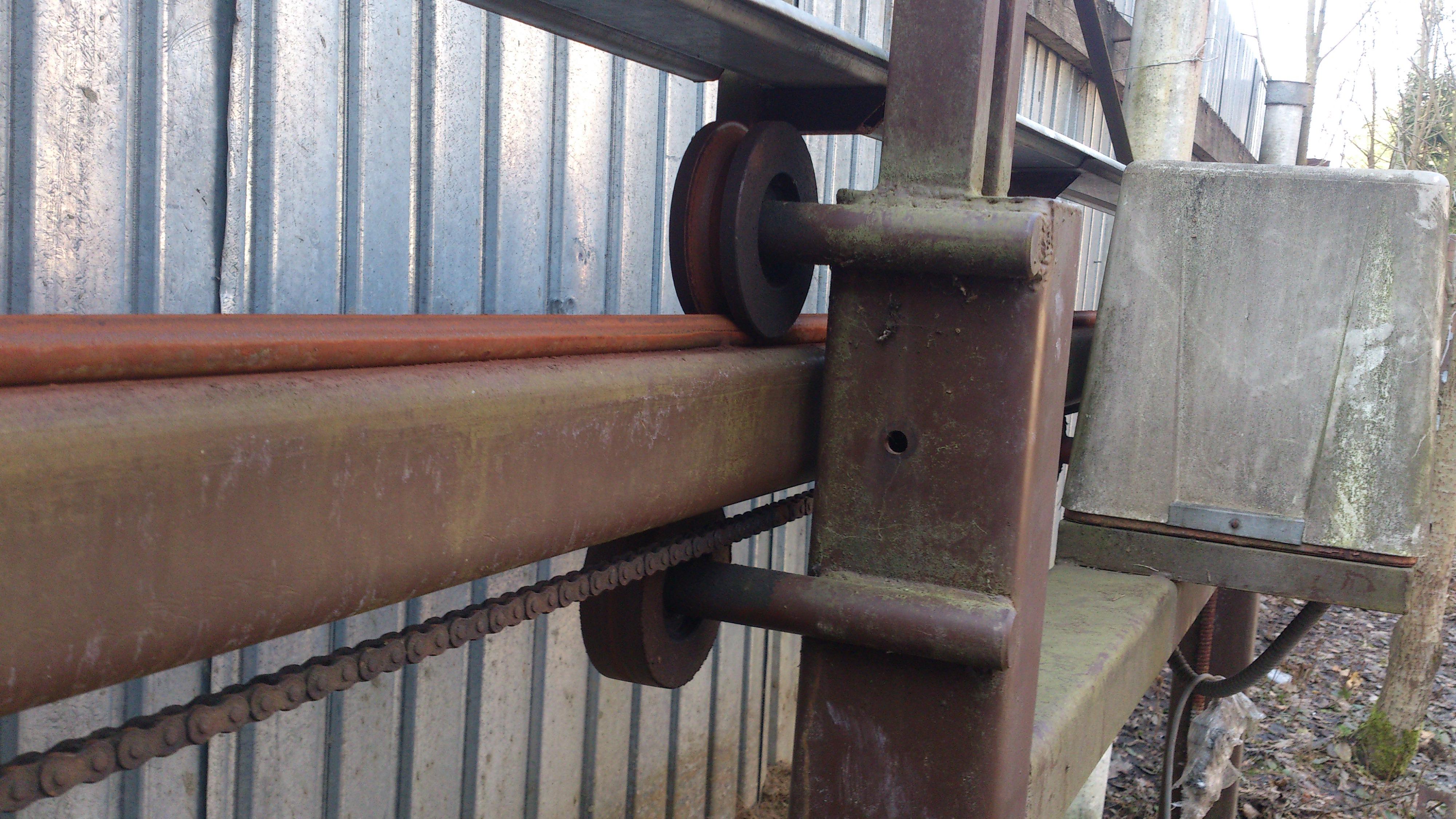 Ворота на роликах своими руками. Откатные ворота на 19