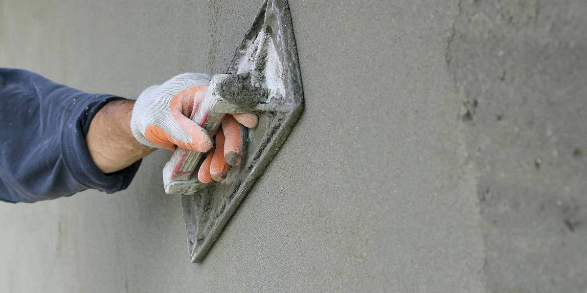 оштукатурить цементным раствором