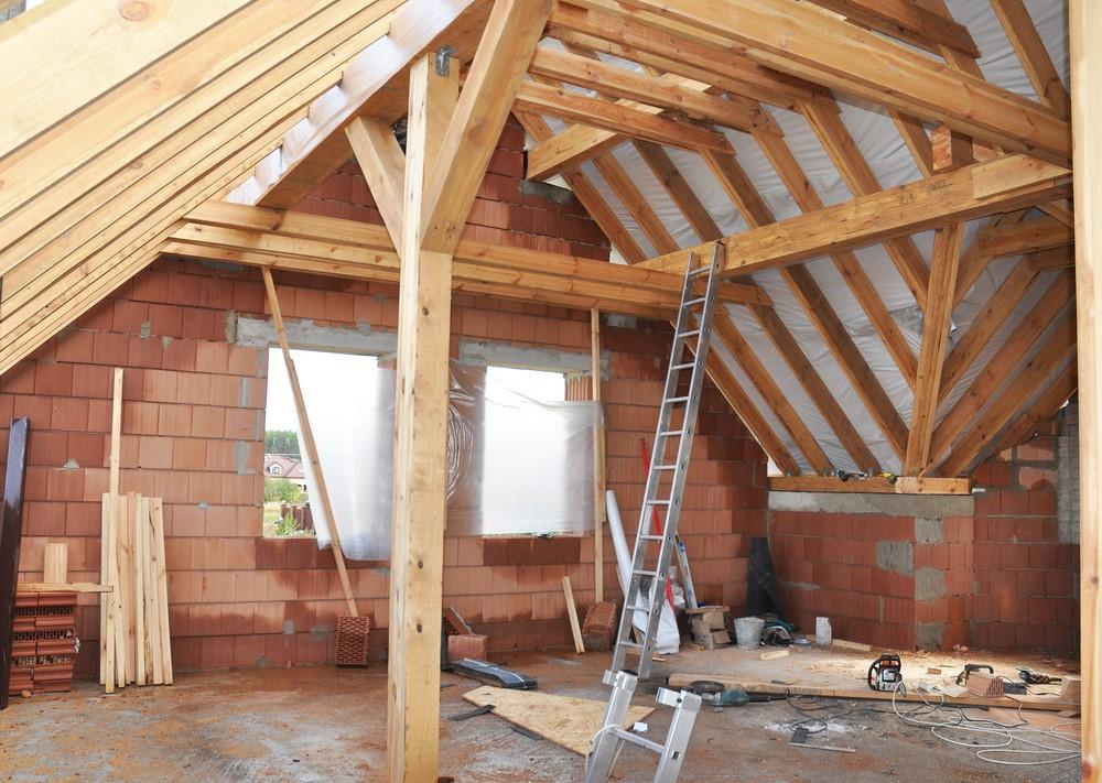 Утепление потолка в доме с холодной крышей: различные методы