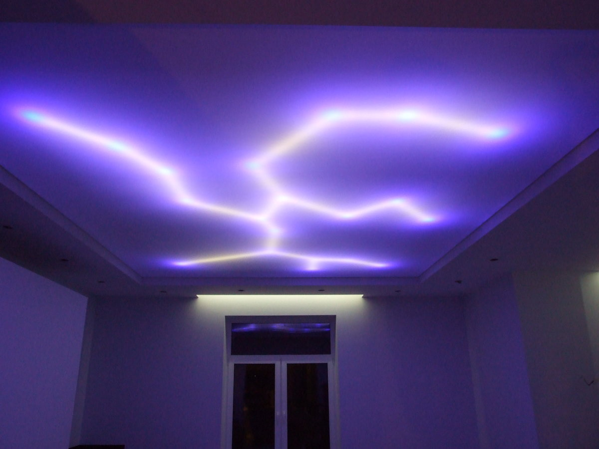 Led подсветка потолков своими руками