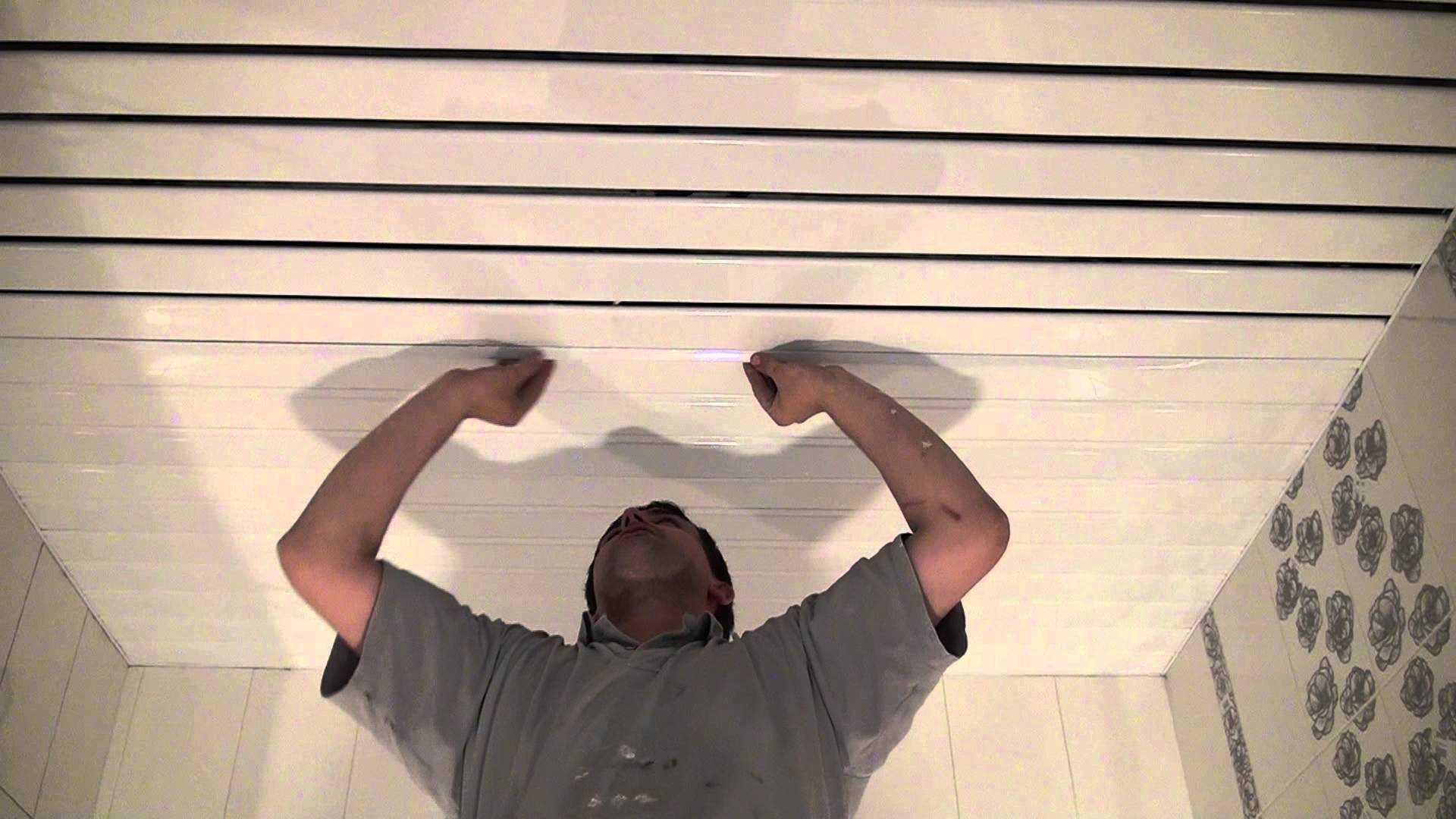 Монтаж пластикового потолка Ремонт своими руками 53