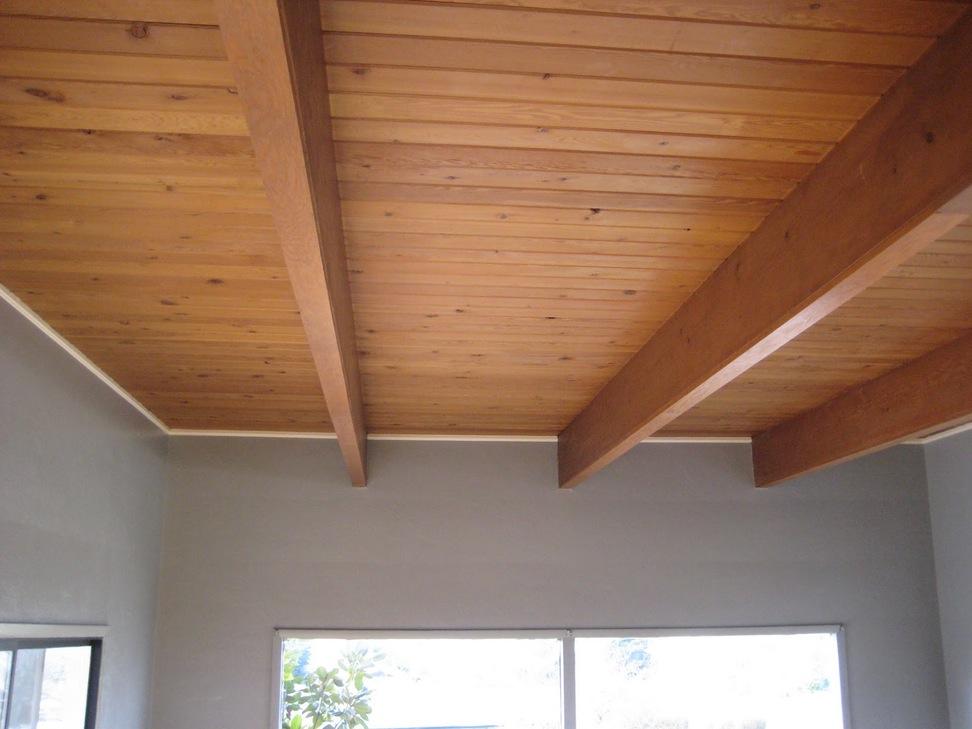 Чем отделать потолок в частном доме своими руками 39
