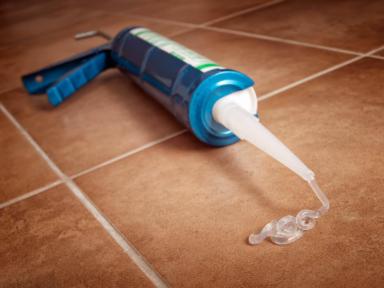 Что растворяет силиконовый герметик? Чем можно растворить и разбавить в домашних условиях, действенный растворитель для герметика