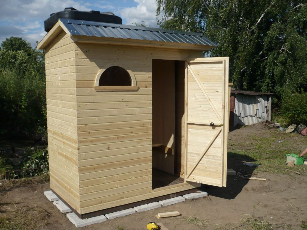 Как построить летний душ из кирпича своими руками фото фото 671