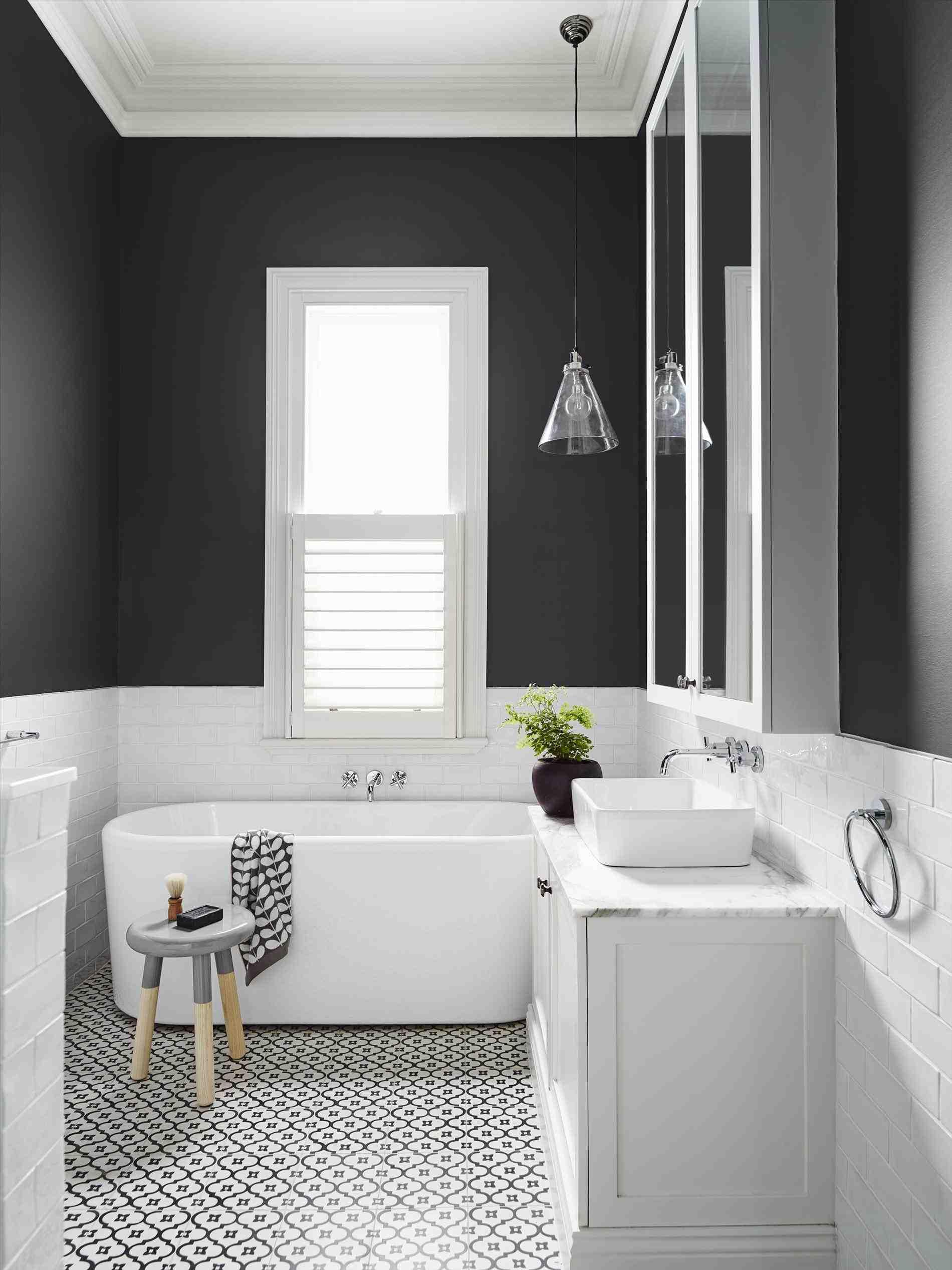 Как покрасить плитку в ванной своими руками фото 318
