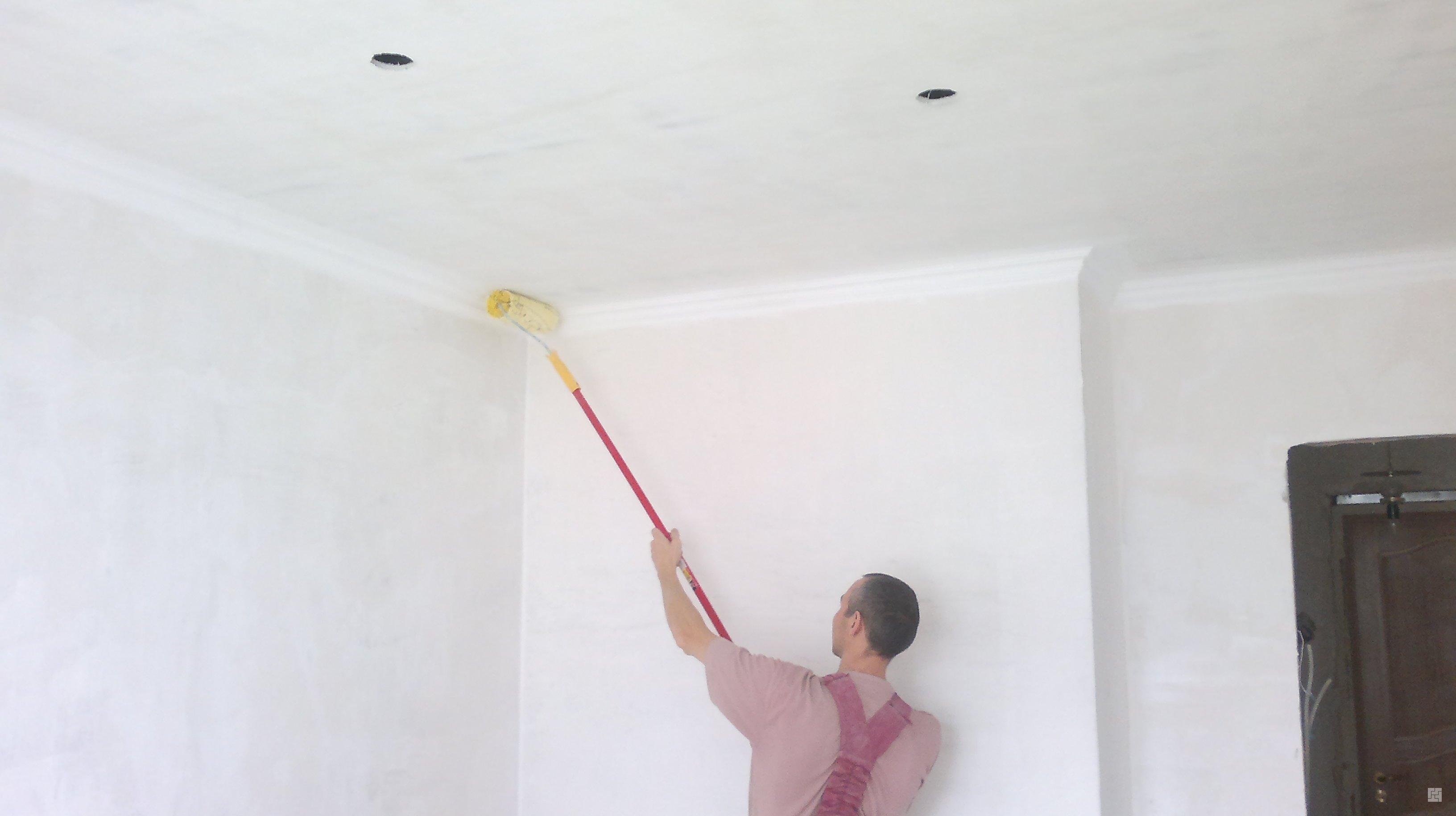 Как побелить потолок известью не смывая побелку 3