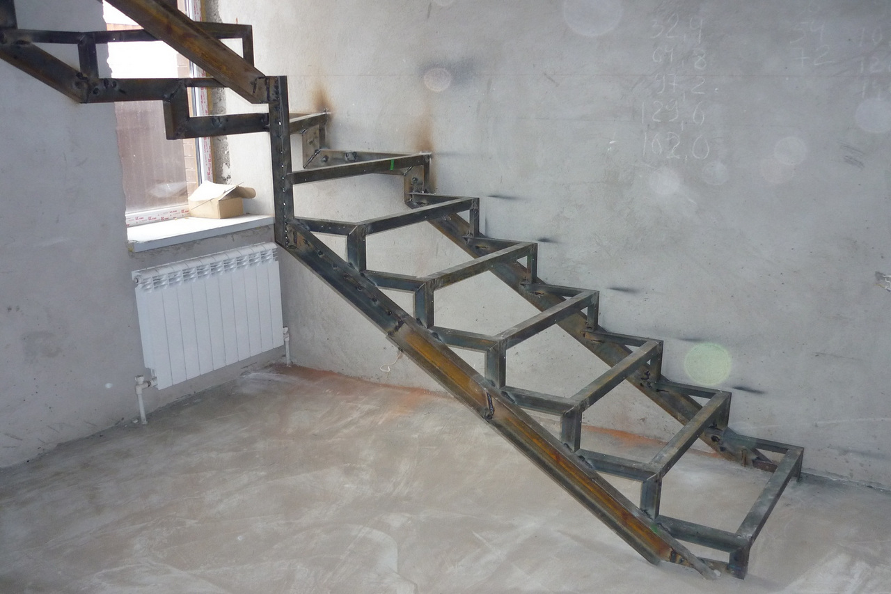 Делаем лестницу из швеллера своими руками - Лестницы 27