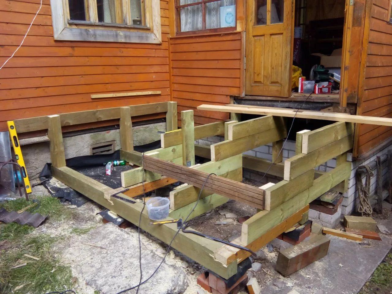 Как сделать крыльцо к деревянному дому своими руками фото