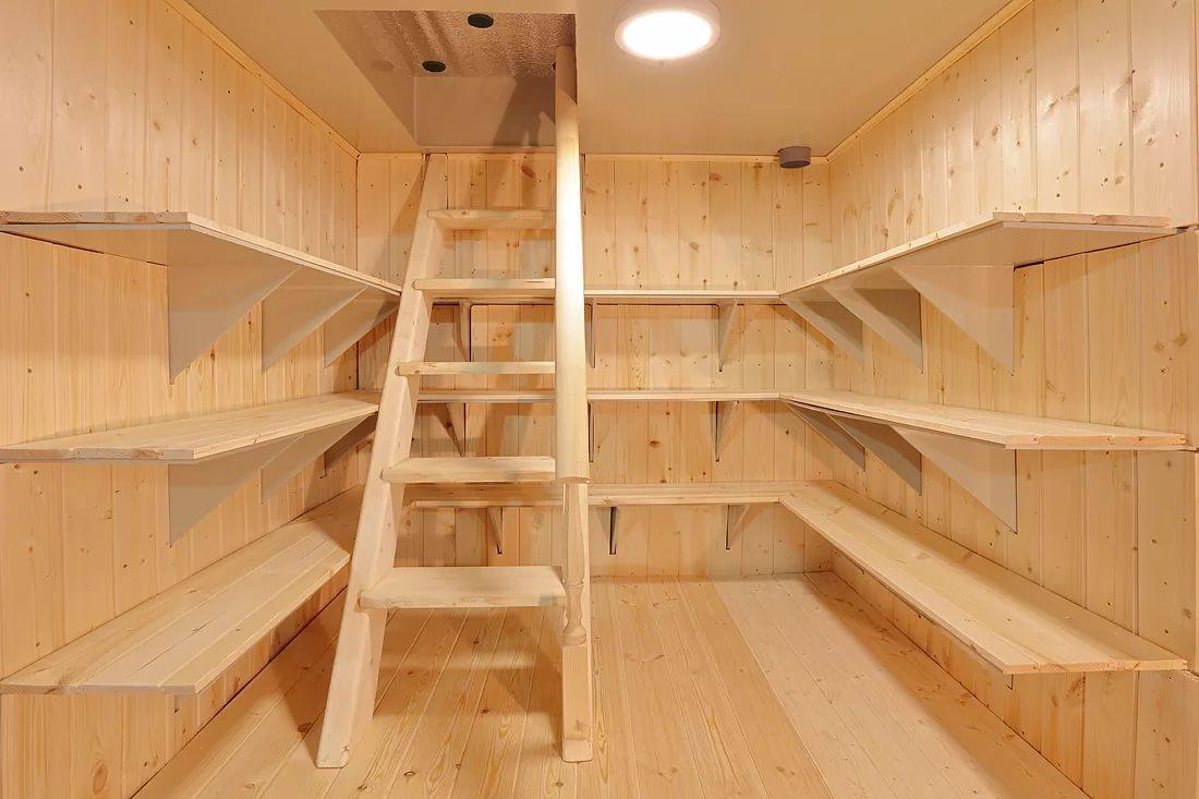 Лестница в подвал из уголка