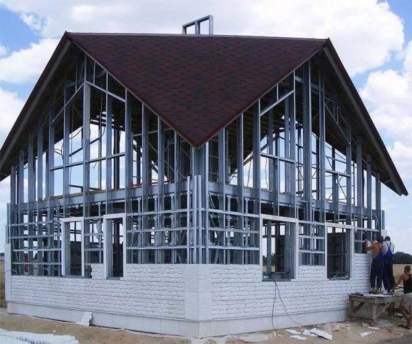 Каркасный дом своими руками и из металла 31