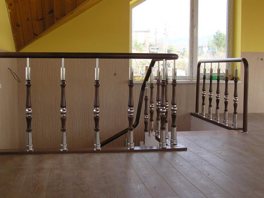 Производство и продажа деревянных столбов колонн для