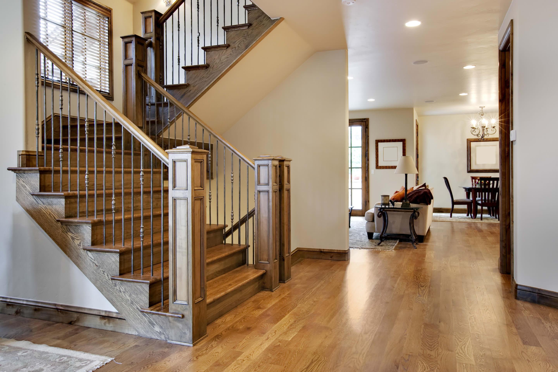 Виды лестниц на второй этаж в частном доме фото своими руками