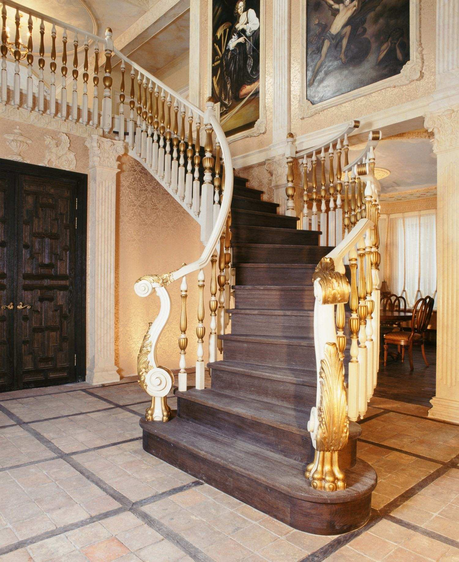 Элементы лестниц, ступени, подступени, столбы, балясины