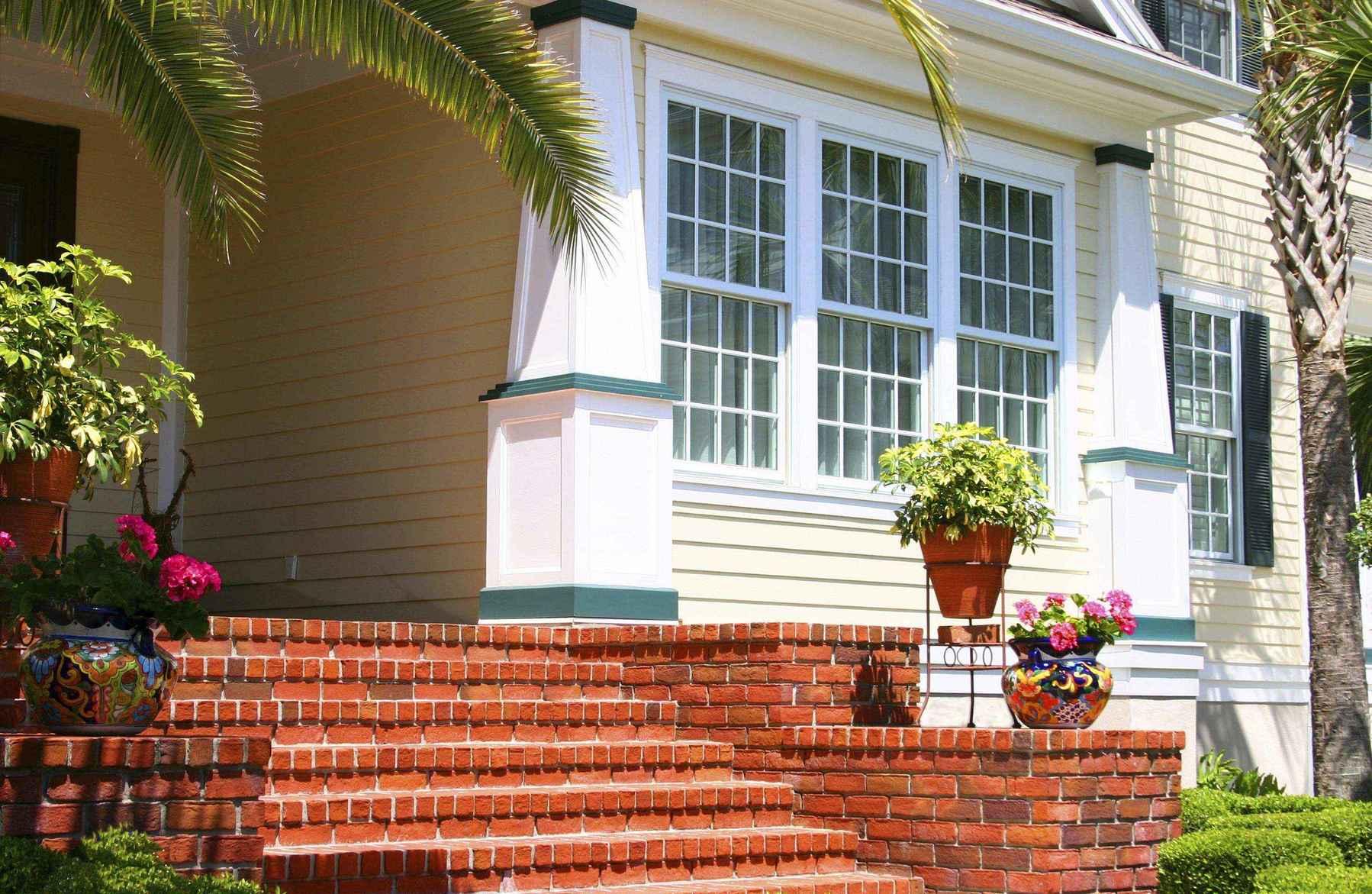 Крыльцо дома из кирпича: фото крыльца кирпичного дома 64