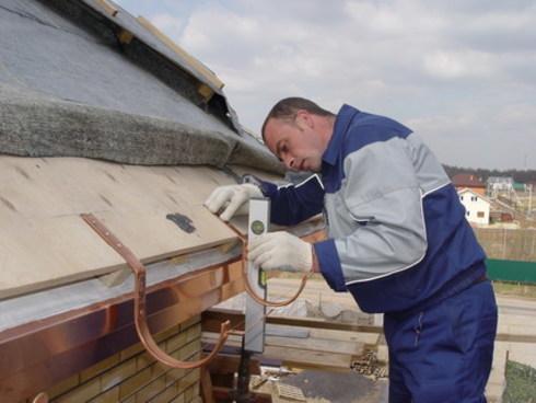 Как установить отливы на крышу своими руками 115