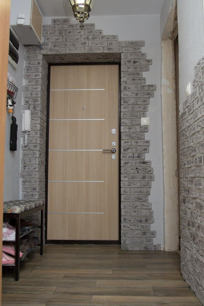 декоративный камень вокруг дверей фото