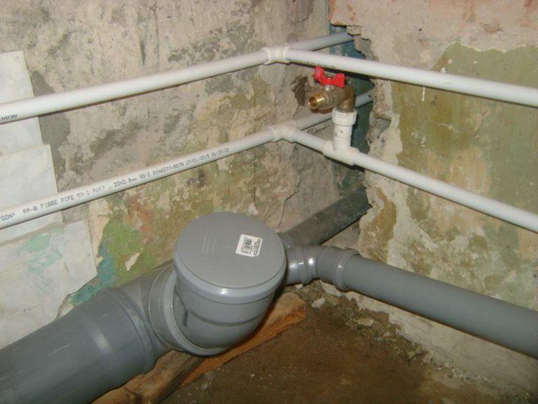 Как сделать выход для канализации 64