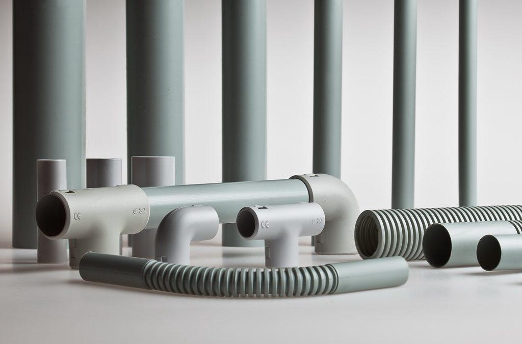 Трубы ПВХ для электропроводки: виды, преимущества и правила монтажа