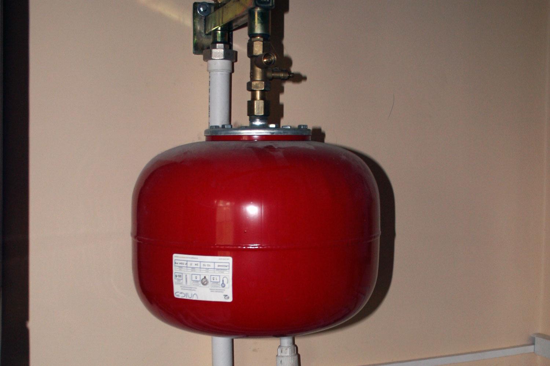 Расширительный бак для открытого отопления своими руками фото 971