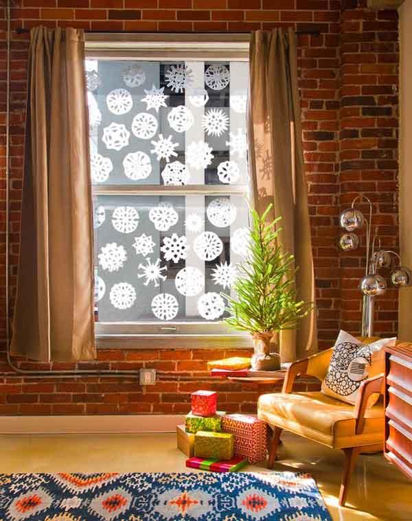 Как украсить окна на Новый год