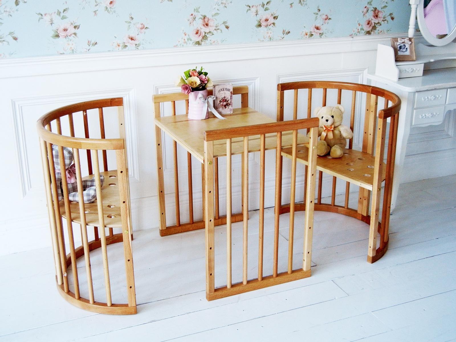 Благодаря всевозможным трансформациям овальная кроватка может видоизменяться и подстраиваться под возраст, рост и потребности вашего крохи.