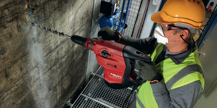 Просверлить бетон перфоратором территория бетона