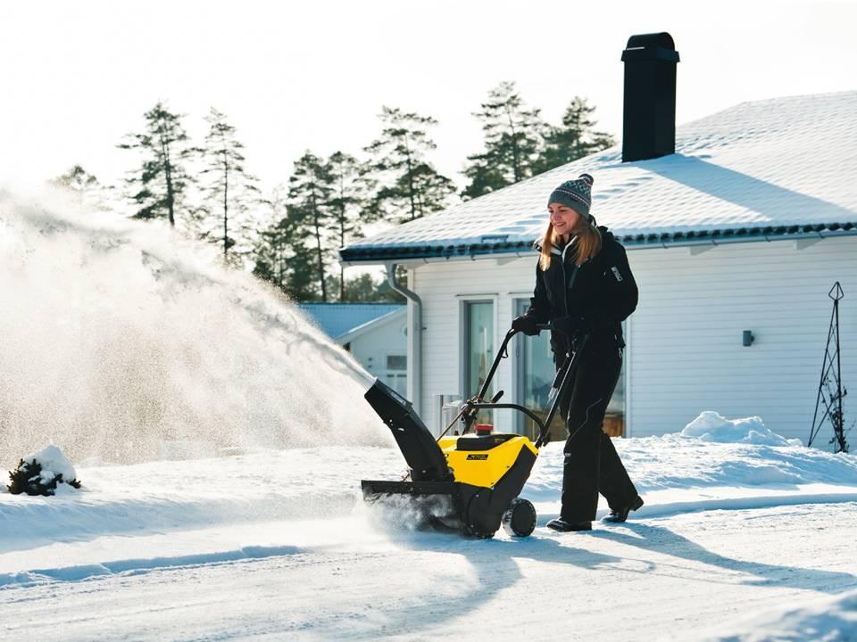 Лопата со шнеком для уборки снега тонкости выбора снегоуборочной шнековой модели Особенности механических и ручных снеговых лопат
