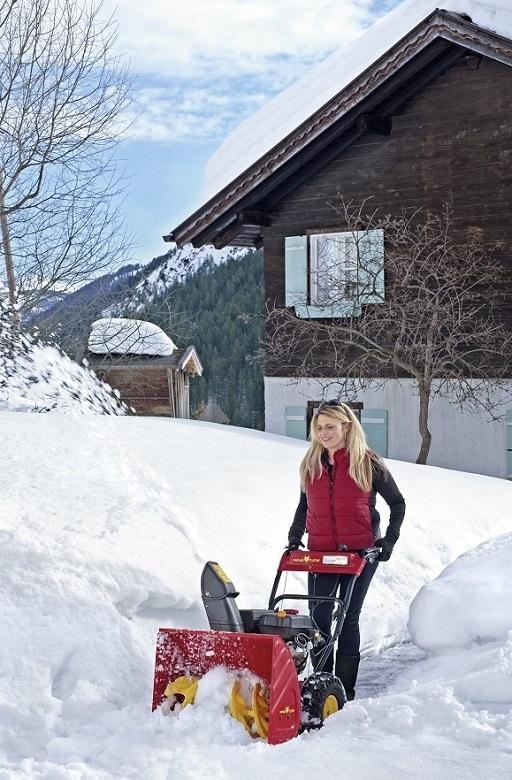 Тракторный шнекороторный снегоочиститель СТ-1500