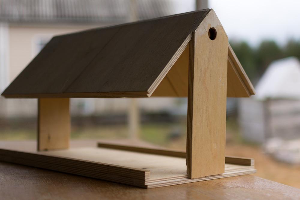 пошаговое фото изготовления деревянной кормушки взлета