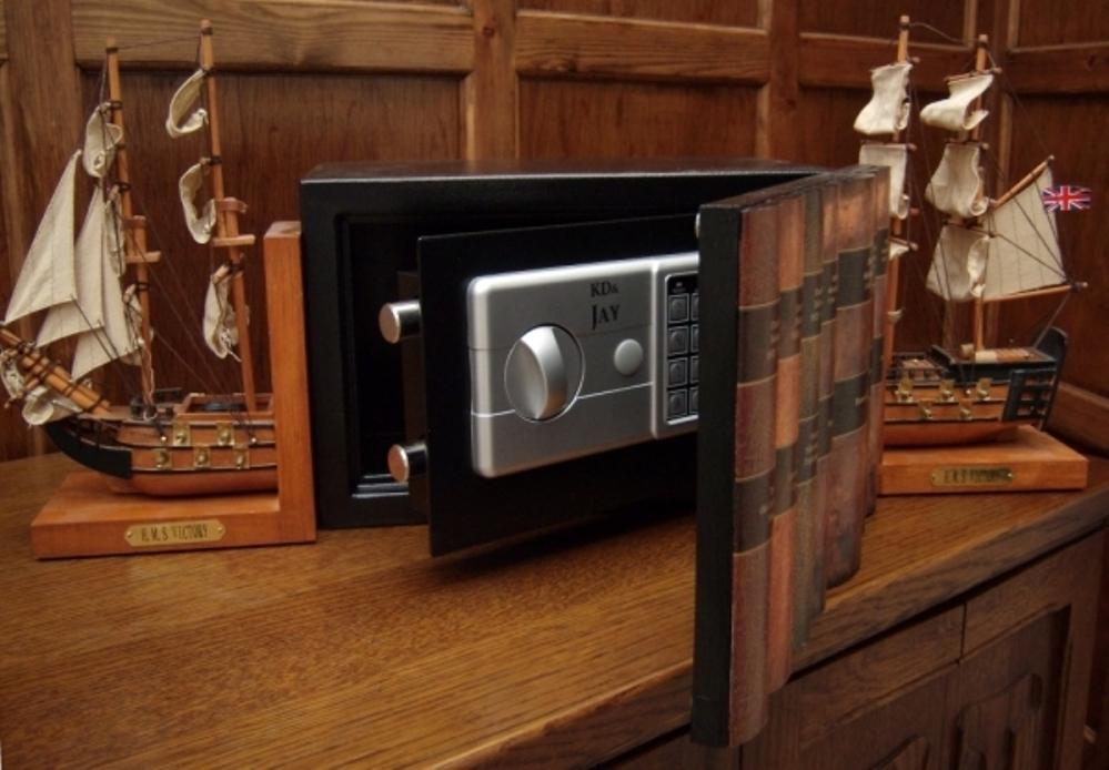 сделать сейф в квартире фото эскобар один