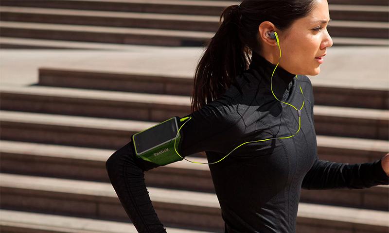 Наушники для бега: беспроводные с Bluetooth и проводные, накладные и лучшие модели для спорта. Какие спортивные наушники выбрать?