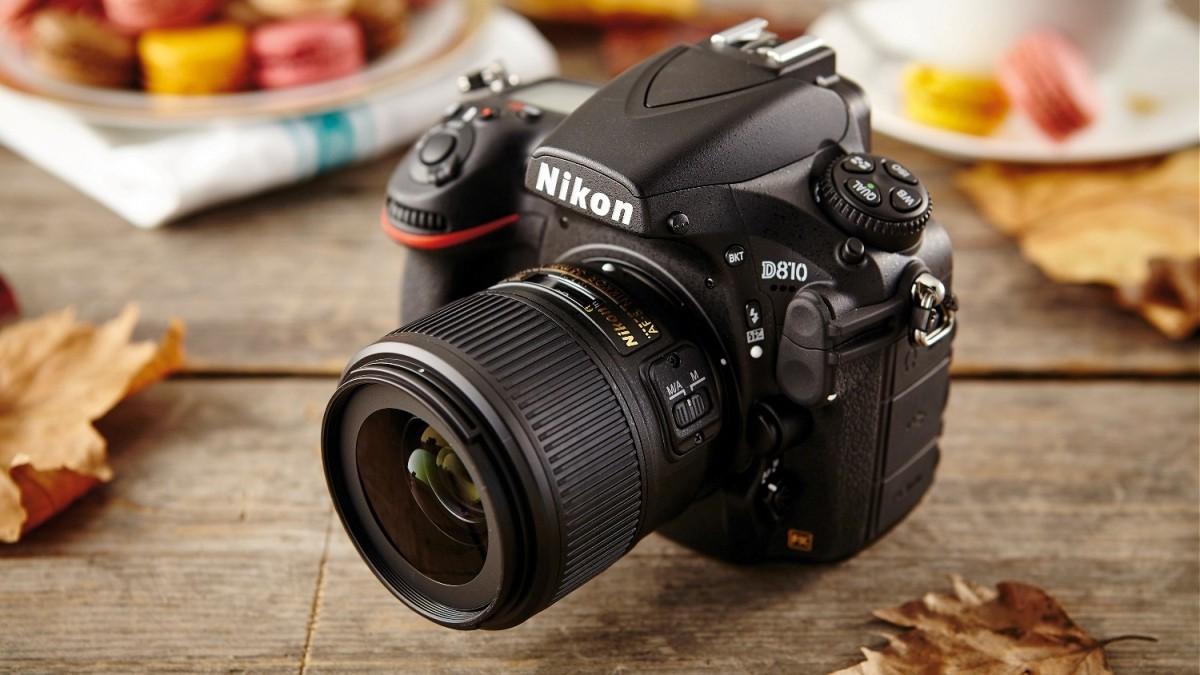 подобные показать фотоаппараты никон и кэнон этого