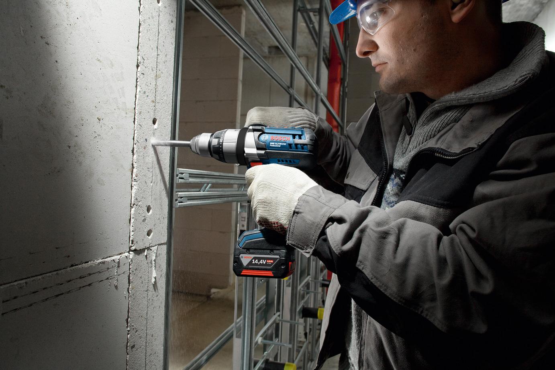 Шуруповерт для работы по бетону: миф или реальная альтернатива для дрели