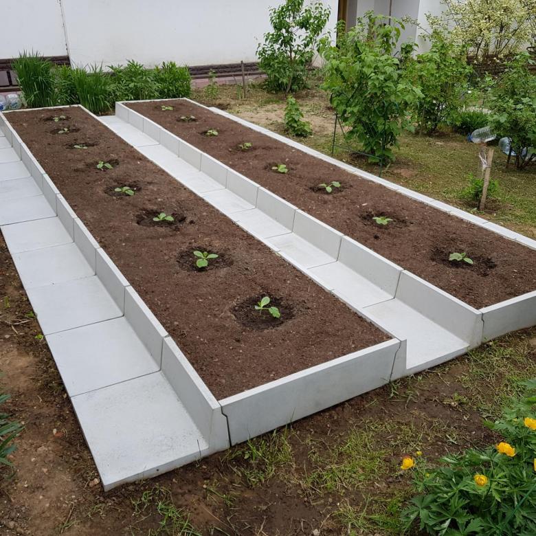 Бордюры для грядок из бетона купить как приготовить бетонную смесь вручную пропорции для фундамента