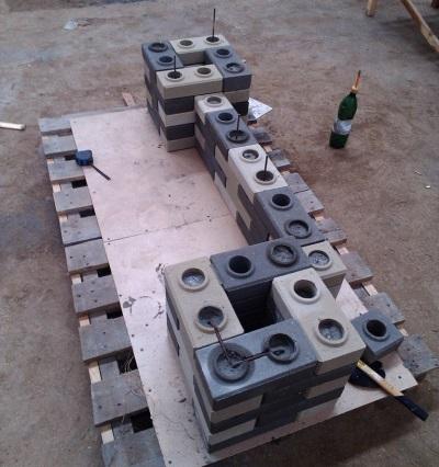 Лего кирпич - заливка цементом