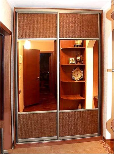 Двухстворчатый шкаф-купе (59 фото): c зеркалом в прихожую.